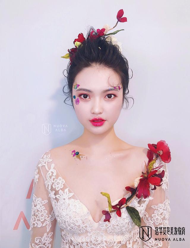 2019-7-31优秀化妆作品图片1