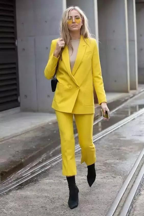 如何学服装搭配?色彩搭配//衣服颜色越少越高级