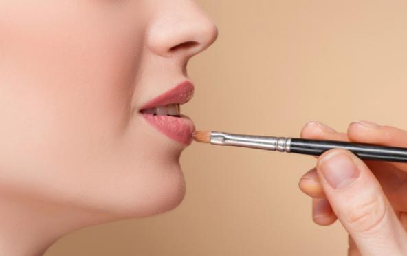 长沙哪里学化妆最好?化妆师教你避免化妆误区,轻松做女神!