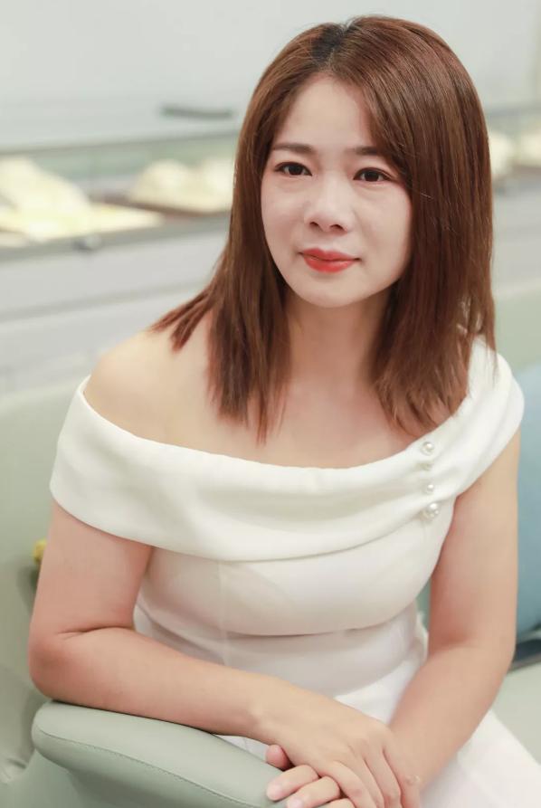 颜坞专访合伙人彭清:听从自己的内心,活出女性美!