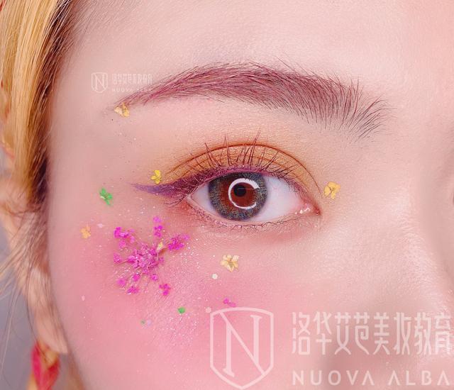 眼型矫正之单眼皮妆容步骤