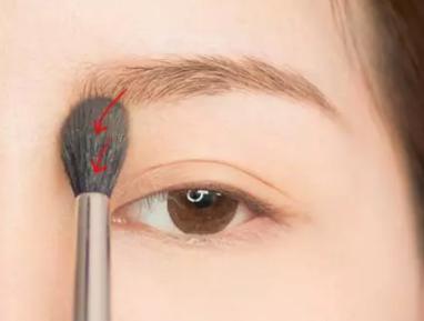 初学化妆如何画眉毛?化妆师手把手教你画眉毛