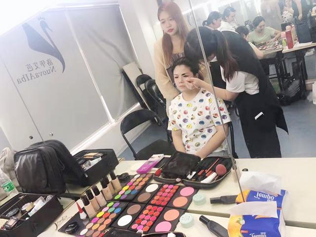 学化妆如何成为优秀化妆师