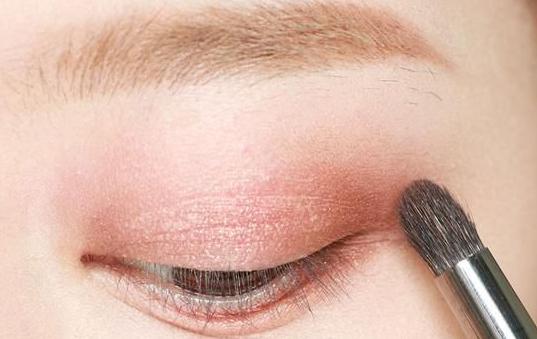 化妆注意事项有哪些,新手化妆步骤