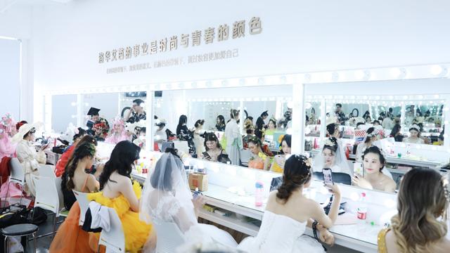 在长沙学习化妆,哪家化妆培训学校比较好?