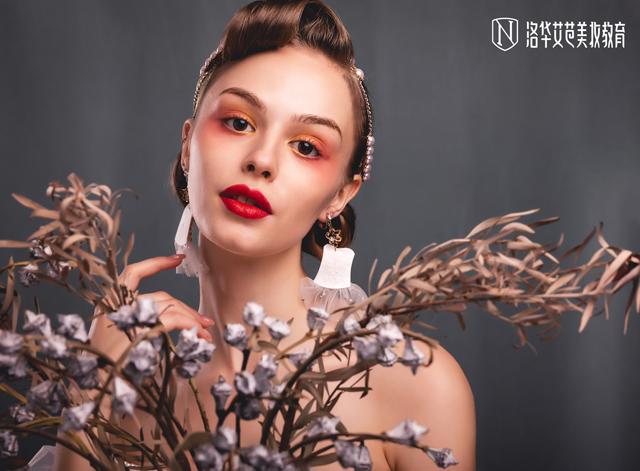 2019-10-23优秀化妆作品图片