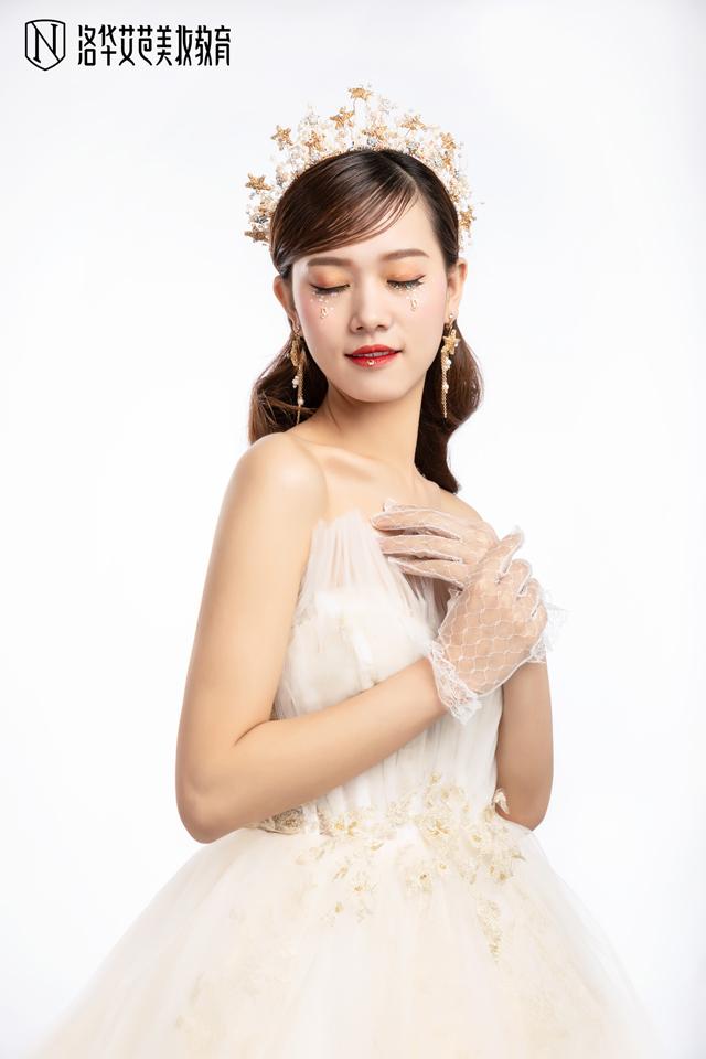 2019-10-24优秀化妆作品图片(3)