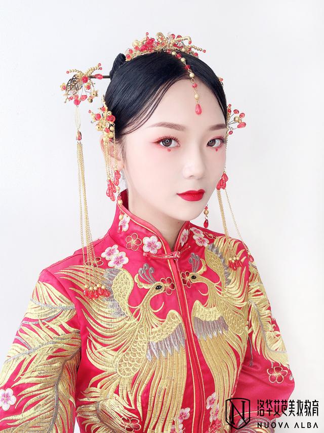 长沙学新娘妆化妆师多少钱?