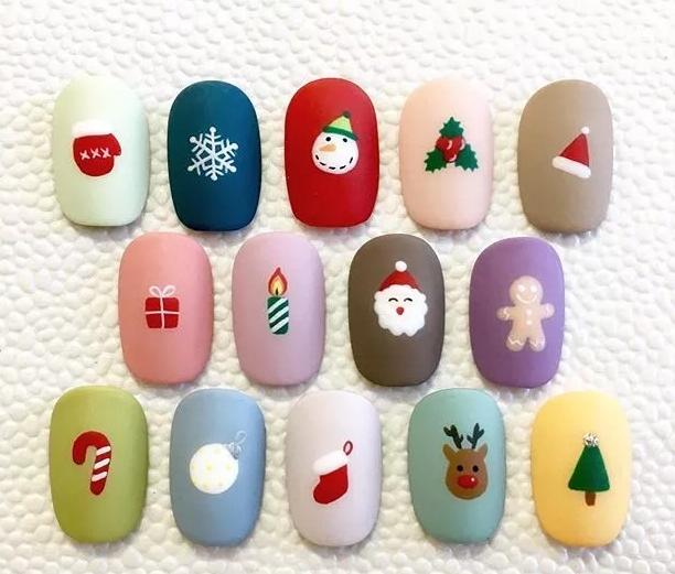 今年圣诞节的美甲,帮你们选好了!