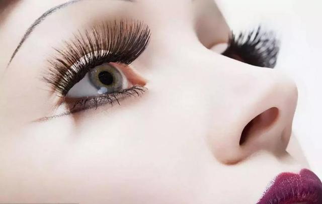 长沙学化妆技巧,假睫毛的贴法